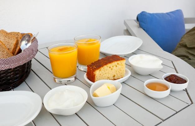 Traditioneel grieks ontbijt