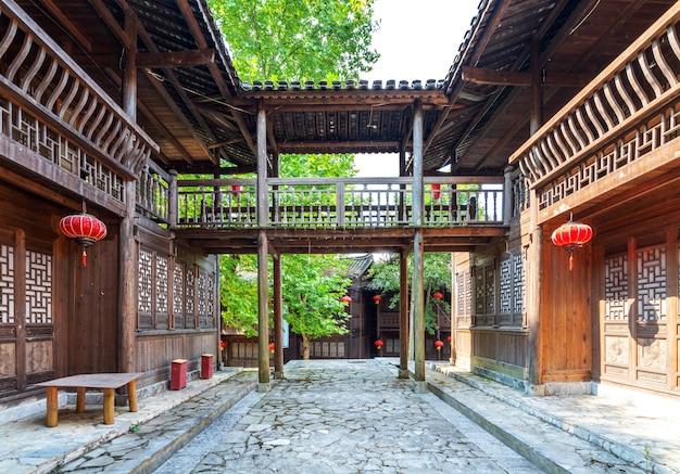 Traditioneel houten gebouw in chinese stijl