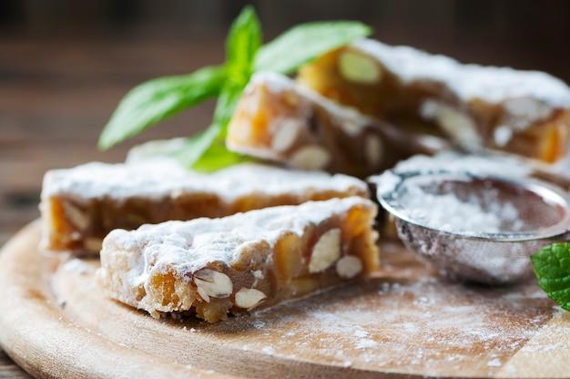 Traditioneel italiaans dessert panforte
