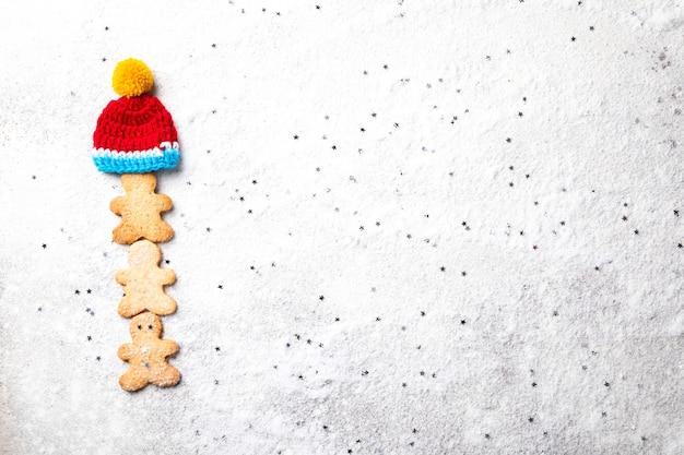 Traditioneel kerstbakken. peperkoek man