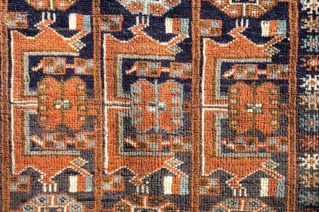 Traditioneel met de hand gemaakt tapijt dicht omhoog