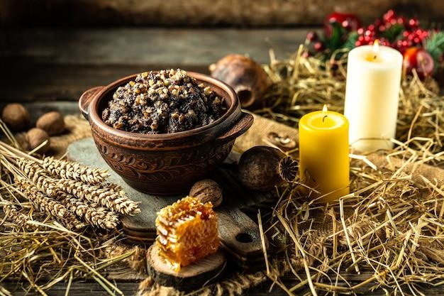 Traditioneel oekraïens eten kerstpap kutya