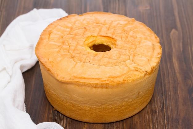 Traditioneel portugees biscuitgebak op houten oppervlakte