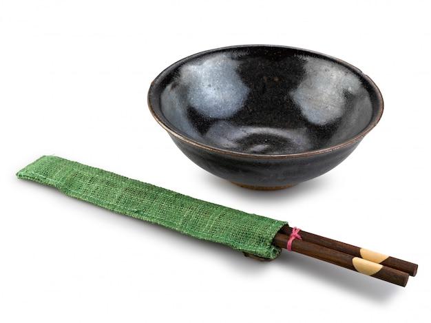 Traditioneel servies van azië, eetstokjes en kom