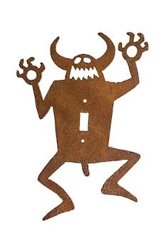 Traditionele amerikaanse etnische metalen sculptuur van een duivel geïsoleerd op een witte achtergrond