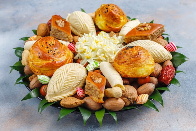 Traditionele azerbeidzjaanse vakantie novruz-snoepjes in xoncha.