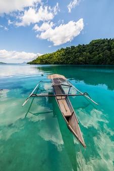 Traditionele aziatische boot