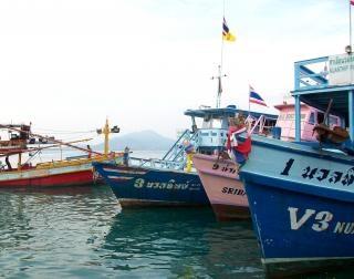 Traditionele aziatische vissersboten