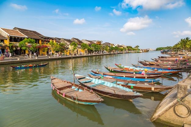 Traditionele boten in hoi an, vietnam