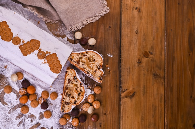 Traditionele duitse kerstgebakjes, diverse koekjes en chocolade