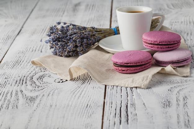 Traditionele franse milieuvriendelijke dessert macarons