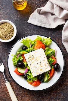 Traditionele griekse salade met feta