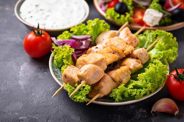 Traditionele griekse vleesbrochetten souvlaki