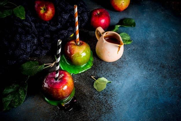 Traditionele herfstdelicatesse, appels in karamelglazuur