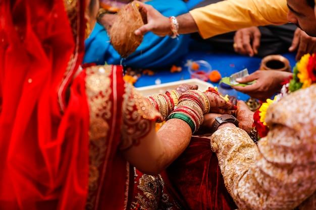 Traditionele indiase huwelijksceremonie