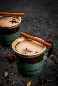 Traditionele indiase masala chai
