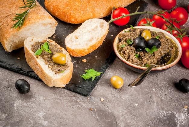 Traditionele italiaanse voorgerechttapenade
