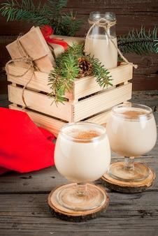 Traditionele kerstcocktail. irish cream, cola de mono