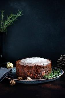 Traditionele kerstmiscake met fruit en noten
