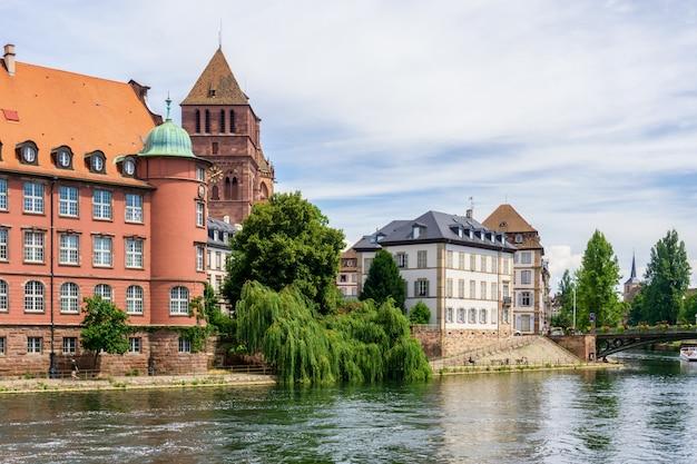 Traditionele kleurrijke huizen in la petite france