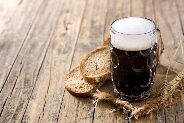 Traditionele kvass bierpul