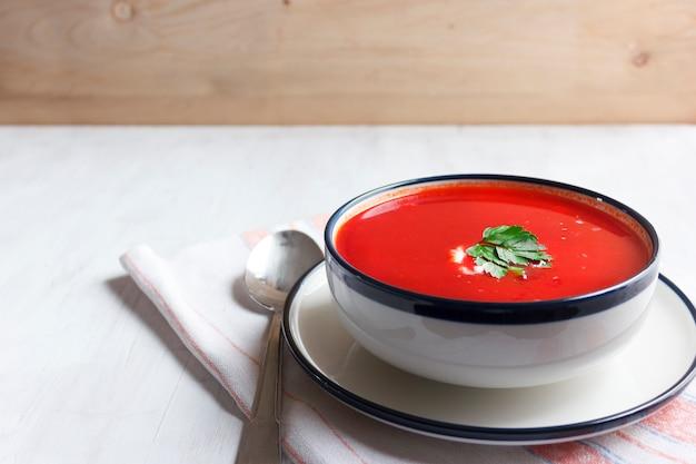 Traditionele rode bietensoep - borsch. vegetarisch dieet voedsel