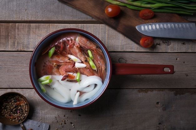 Traditionele thaise soep tom yam