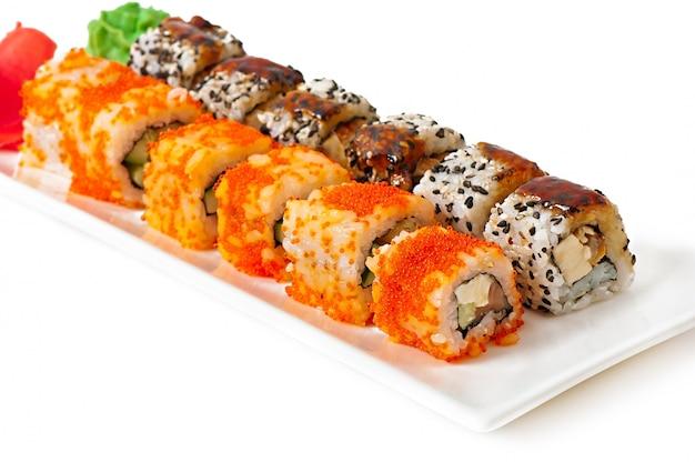 Traditionele verse japanse sushibroodjes
