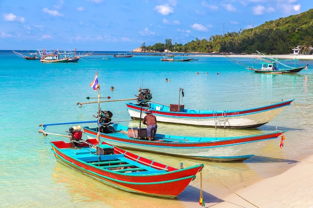 Traditionele vissersboot op het eiland koh phangan