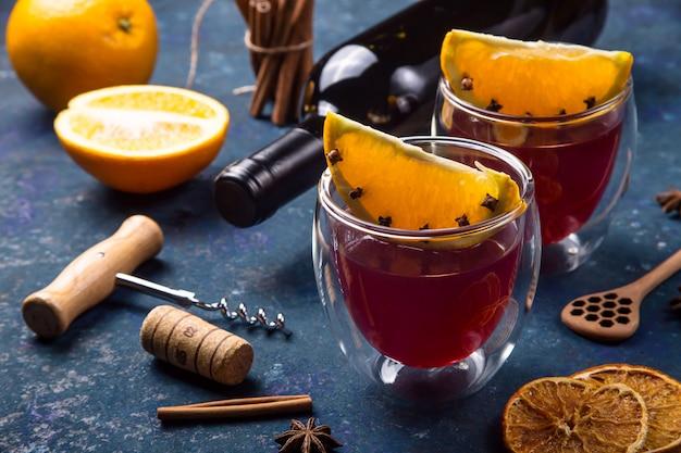 Traditionele winter- en kerstdrank glühwein
