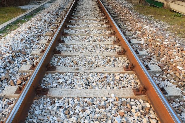 Train sporen in perspectief. vervoer, buiten