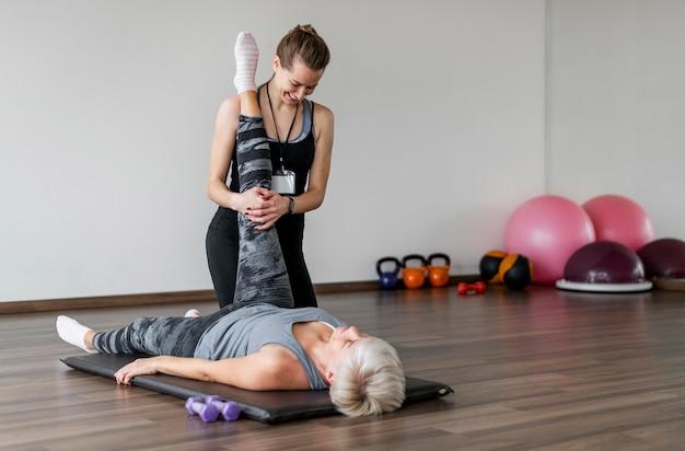 Trainen met een persoonlijke trainer afstandsschot