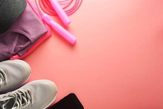 Training concept sportschoenen touwtjespringen yoga afvallen