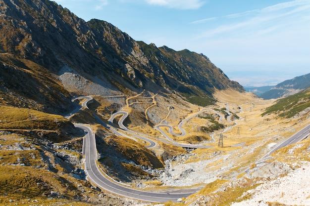 Transfagarash, kronkelende weg in roemenië