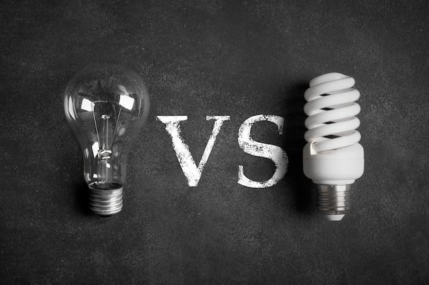 Transparante en witte (energiebesparende) elektrische lampen