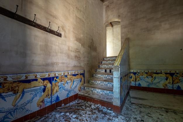 Trappen van een oud huis