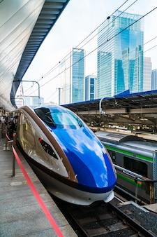 Trein- en metrostation in japan is het populaire transport