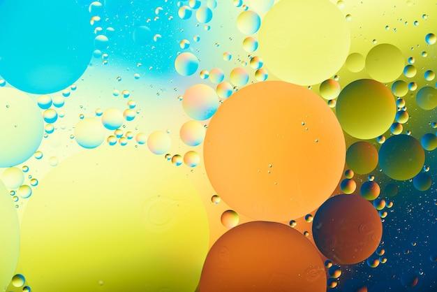 Trendy veelkleurige kleurrijke bubbels