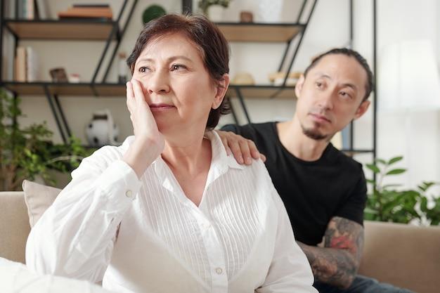 Trieste moeder bezorgd om haar zoon