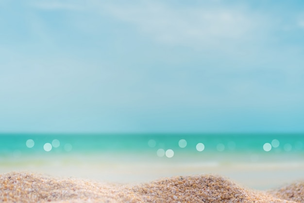 Tropisch aard schoon strand en wit zand in de zomer