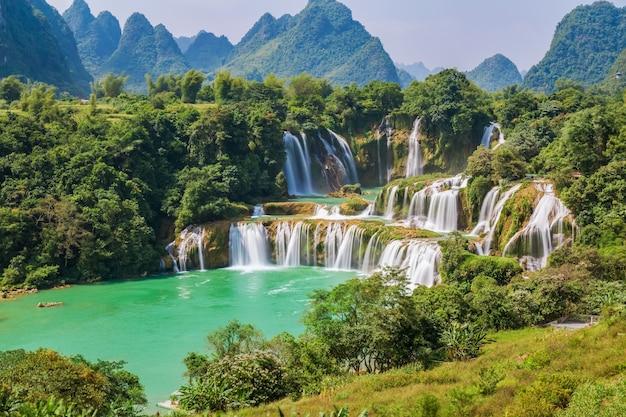 Tropisch jungle aziatisch mooi landschap