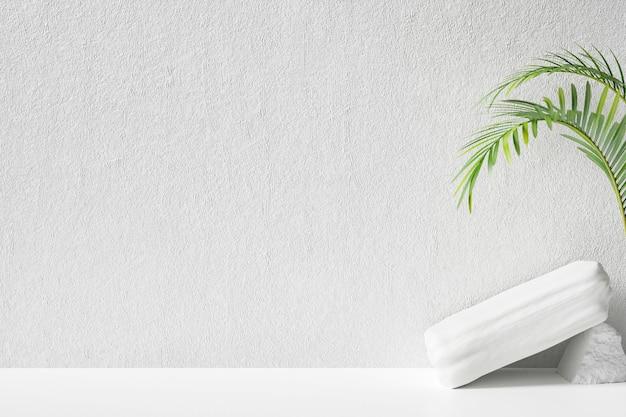 Tropische abstracte achtergrond met witte muur voor weergaveproduct. 3d weergegeven