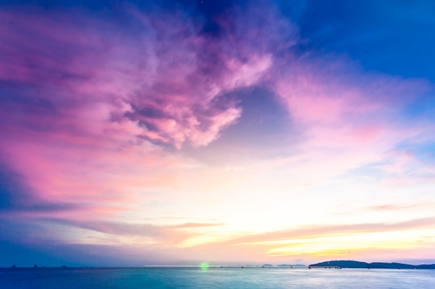 Tropische zonsondergang.