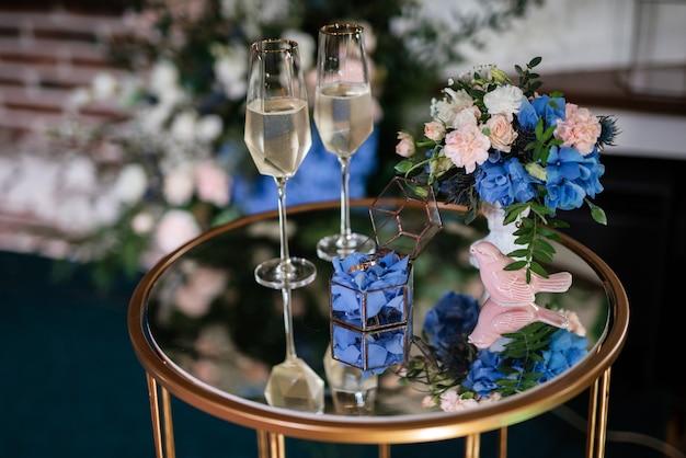 Trouwglazen voor wijn en champagne van kristal
