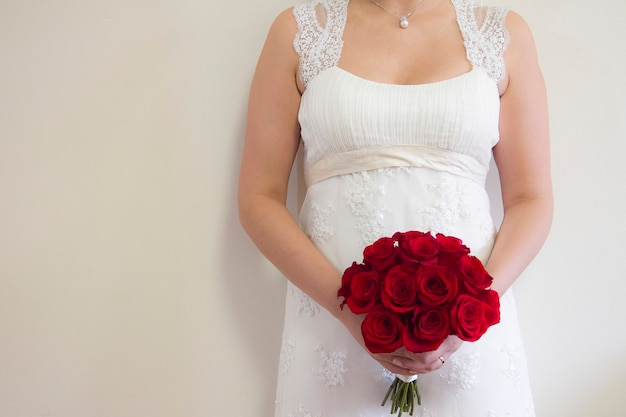 Trouwjurk accessoires bruiloften bloemen