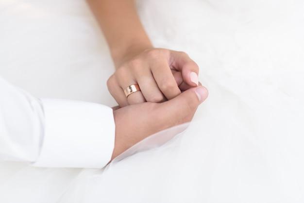 Trouwringen met een huwelijksdecor