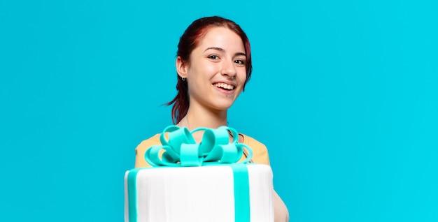 Tty bakkerij medewerkster vrouw met een verjaardagstaart