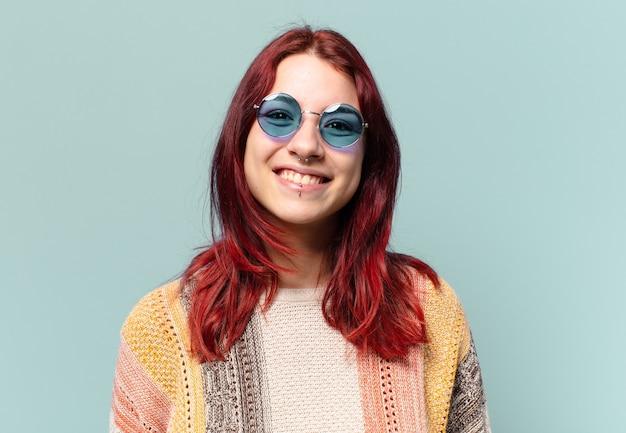 Tty hippie student vrouw lachend