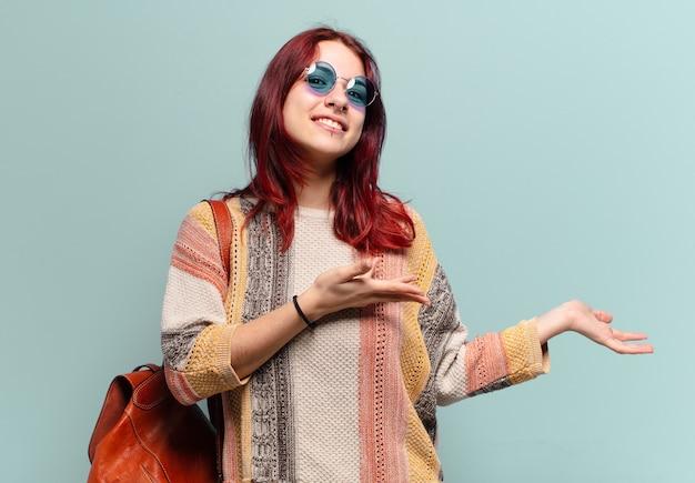 Tty hippiestudent vrouw met een kopie ruimte