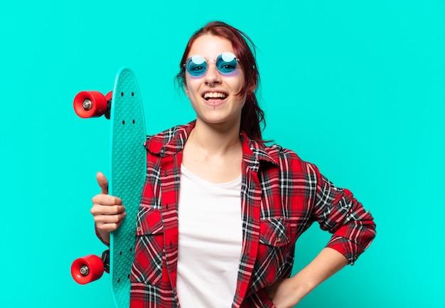 Tty vrouw met een skateboard